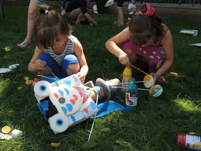 Edukacyjne zabawy z dpadami